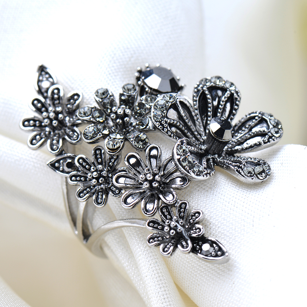 Anel do Punk Do vintage Único Esculpido Antique Silver Flor Sorte Anéis para As Mulheres Boho Praia Europeu de Jóias de Festa de Casamento Anel