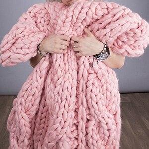 Image 4 - Горячая распродажа! 250 г, модное супер объемное одеяло ручной вязки «сделай сам», шапки, теплая гигантская толстая пряжа