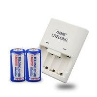 2 pz 3 V 1300 mAh batteria al litio CR123A 16340 batteria ricaricabile Li-Ion + 1 pz CR123A/CR2 universale caricatore