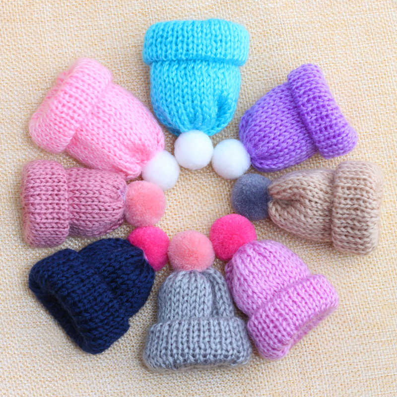 Hot Sale 15 Color Mini Cute Hairball Knitted Hat Pin Brooch Girl Accessories Kawaii Big Hats Sweater Woolen Brooches Badge Pins