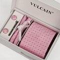 Связь и платок + запонки + заколка для галстука и подарочной коробке 5 наборы мужчины розовый галстук и темно-синие точки галстуки lotes atacado