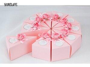 Image 2 - 50pcs rose/bleu personnalisé triangulaire gâteau Style faveurs de mariage boîtes à bonbons fête papier boîte cadeau avec Faux étiquettes de fleurs rubans