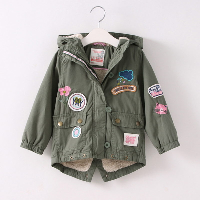 Winter-Designer-Girls-Embroidered-Jacket-Flower-Patchwork-Coat-Cartoon-Childrens-Coats-Jackets-Lamb-Velvet-Kids-Padded-Jacket-2
