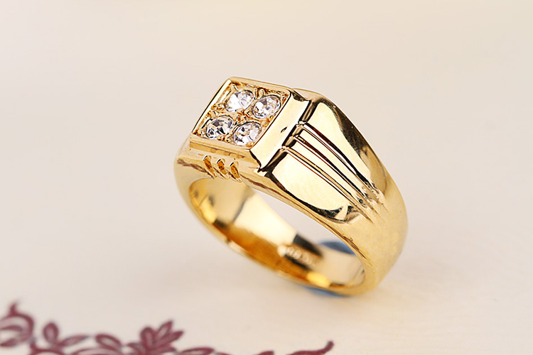Marca TongKwok Nueva venta Anillos para hombre Anillo de bodas de moda de cristal genuino de Austria # RG90044