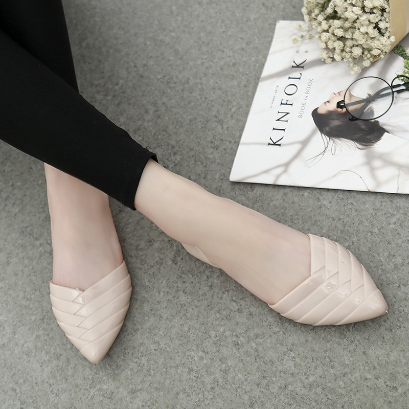 Summer new fashion plastic jelly shoes Women pointed hollow flat heel sandals beach shoes