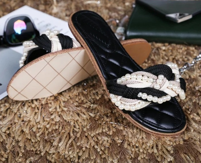 2017 Summer Hottest Women Solid Color White Pearl Decoration Round Toe Flats Fashion Casual Shoes Free Shipping High Quality women high heel shoes women slingbacks sandals genuine leather solid color black white summer fashion casual shoes round toe