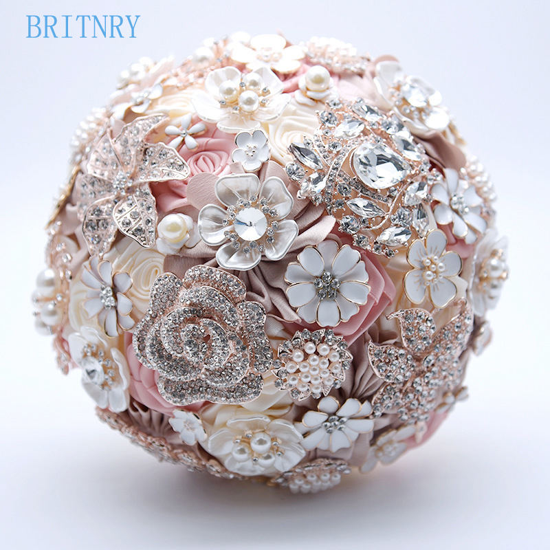 TB2Hs8ZgyMnBKNjSZFzXXc_qVXa_!!1036529056  BRITNRY New Arrival Beaded Crystal Pearls Marriage ceremony Bouquet Handmade Excessive High quality Bridal Bouquet Stunning Flower Bouquet HTB1H KRv7SWBuNjSszdq6zeSpXaF