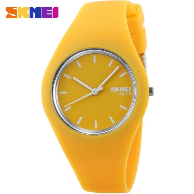 SKMEI марка часы женщины моды спорта кварцевые часы синий белый черный red50M водонепроницаемый Reloj Mujer Montre Femme резинкой