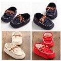 2017 Nuevos Niños niñas bebé Atan para arriba Zapatos de Bebé Mocasines de Cuero Suave de LA PU Primeros Caminante Nacidos zapatos de bebé botines