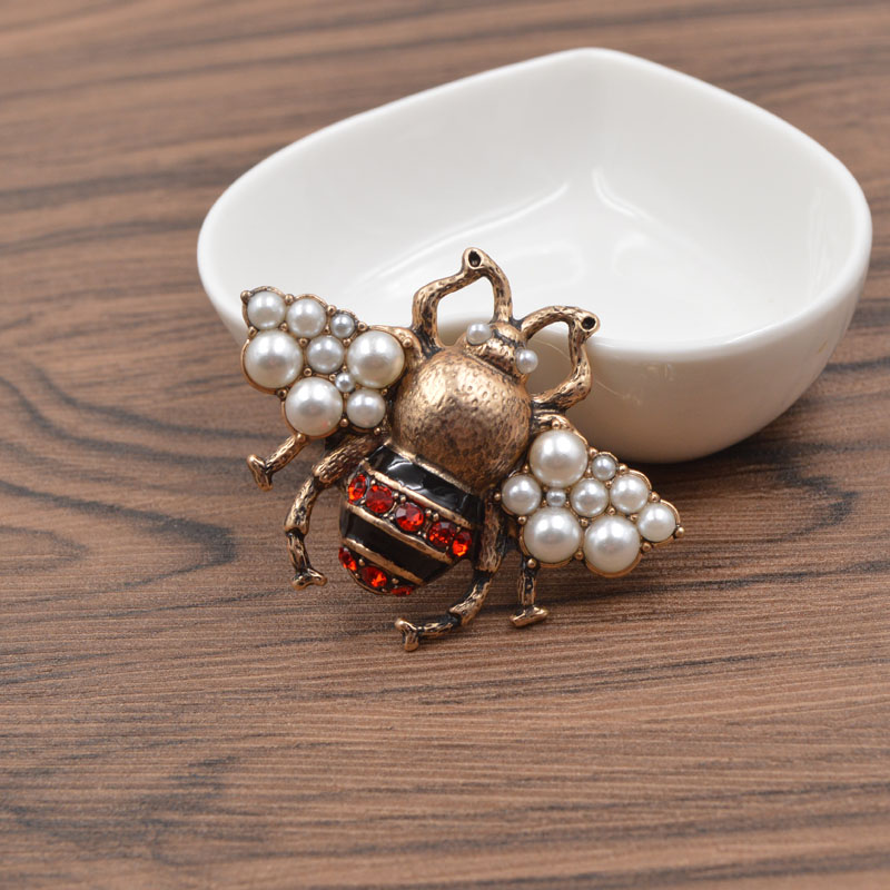 CINKILE Vintage Rhinestone Bee Brooches for Women Fashion Insect Brooch Pin Antique Gold Color High Quality New Year Gift in Brooches from Jewelry Accessories