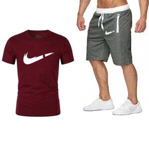 الرجال جديد الصيف عالية الجودة مجموعات T-قميص + السراويل الرجال العلامة التجارية الملابس اثنين من قطعة بدلة رياضية الأزياء عارضة بلايز