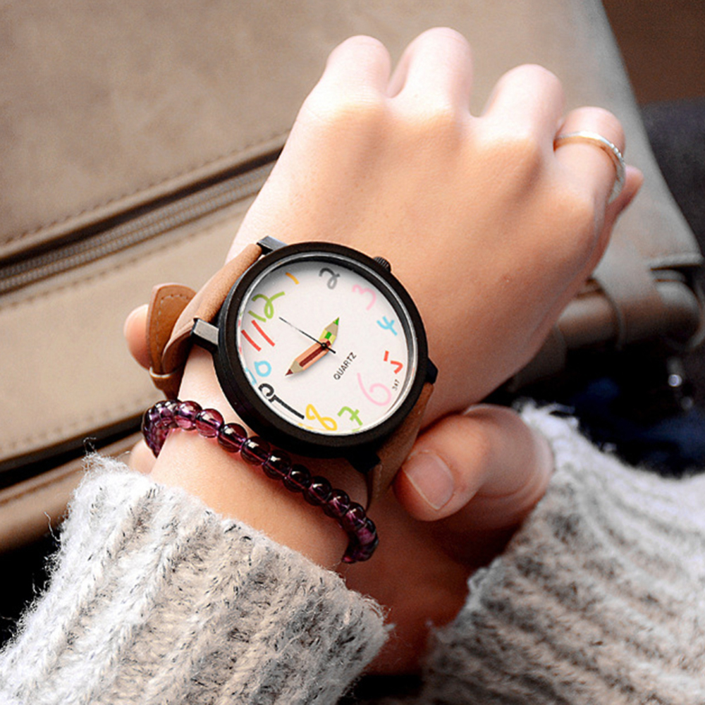 2019 Woman Fashion Colorful Graffiti Quartz Watch Girls Students Wristwatch Leather Strap