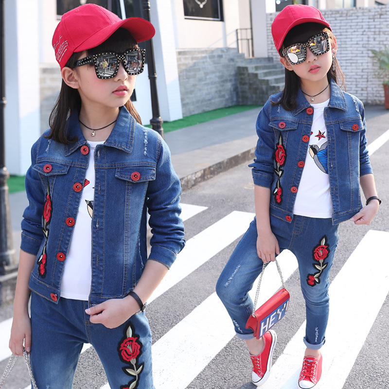 Children Clothing Set 2017 New Style Denim Kid Girls Clothes With Floral Embroidery kids jeans suit Girls Clothing Sets In Denim 2017 spring new women sweet floral embroidery pastoralism denim jeans pockets ankle length pants ladies casual trouse top118