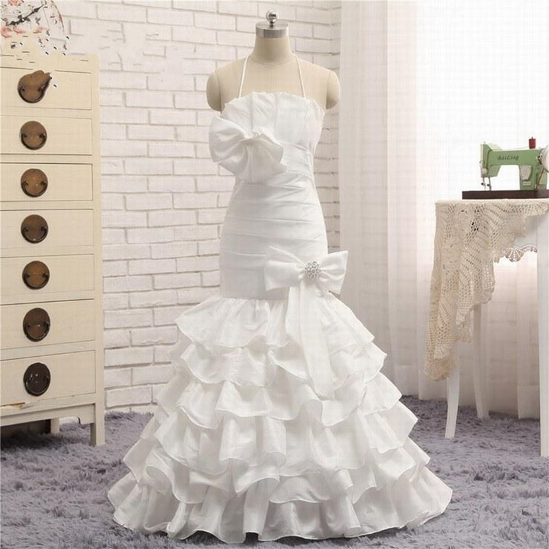 New Design 2019 Satin Flower Girl Dress For Wedding Halter Backless Tiered Ruffles Layered Girls Pageant Gown with Bows BeadingNew Design 2019 Satin Flower Girl Dress For Wedding Halter Backless Tiered Ruffles Layered Girls Pageant Gown with Bows Beading