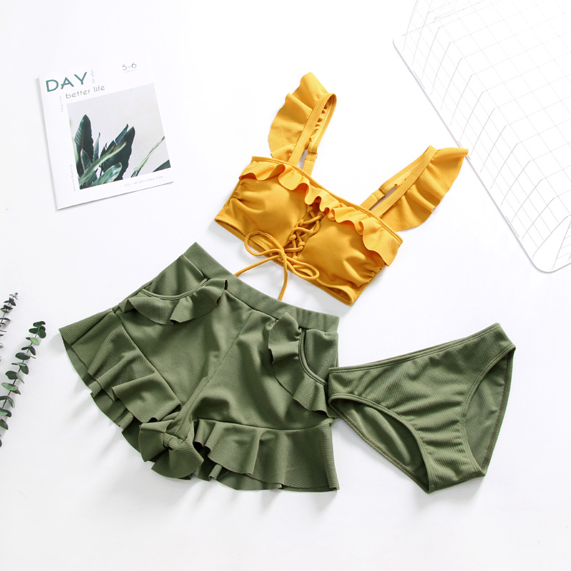 2019 New Woman Sexy Lovely Swimsuit Small Chest Small Sweet Girl Gathered Korea Hot Spring Wind Bare Shoulders Lotus Leaf Swimsu