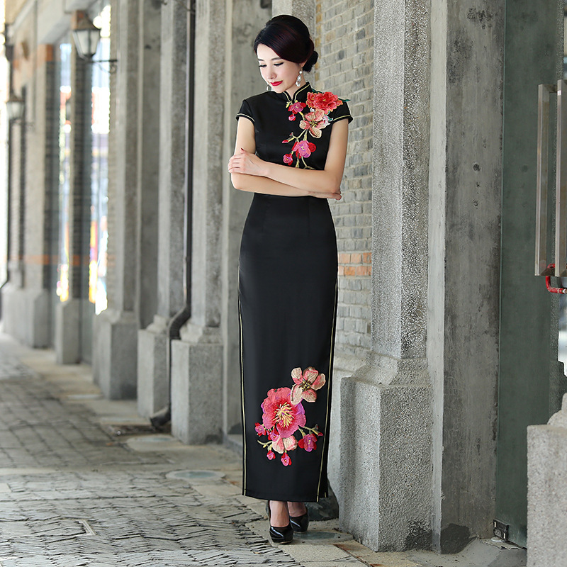 R 23725 20 De Descontovestidos De Casamento Formal Vestido De Seda Tradicional Chinesa Mulheres Cheongsam Qipao Moderno Bordado Roxo Preto Sexy