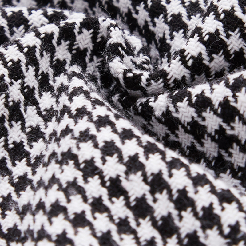 Abrigo Vintage blanco y negro corto con cinturón Paraíso de la Moda | PdM