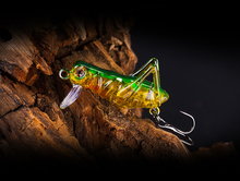 40mm 3g Grasshopper insects Fishing Lures Flying Wobbler Lure hard bait Lifelike Artificial baits Bass Jerkbaits Swimbait Pesca