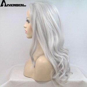 Image 4 - Anogol ücretsiz kısmı uzun doğal dalgalı yüksek sıcaklık Fiber gümüş gri sentetik dantel ön peruk kadınlar için