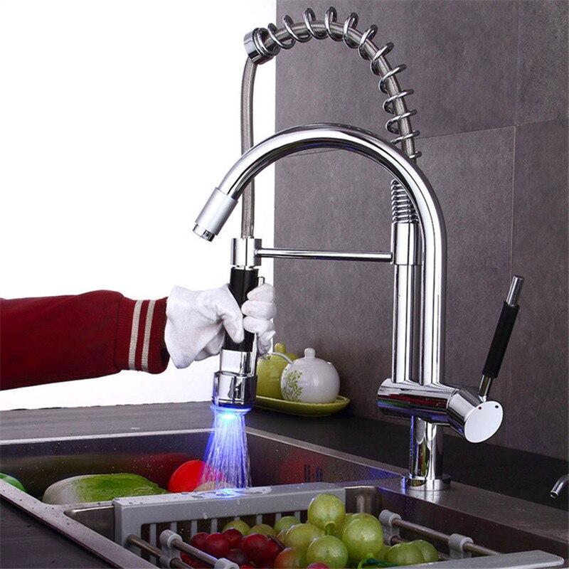 Torneira Da Cozinha LED High-end e generoso multi-função de puxar para baixo torneira da cozinha dupla-use com pulverizador torneira da cozinha Torneira