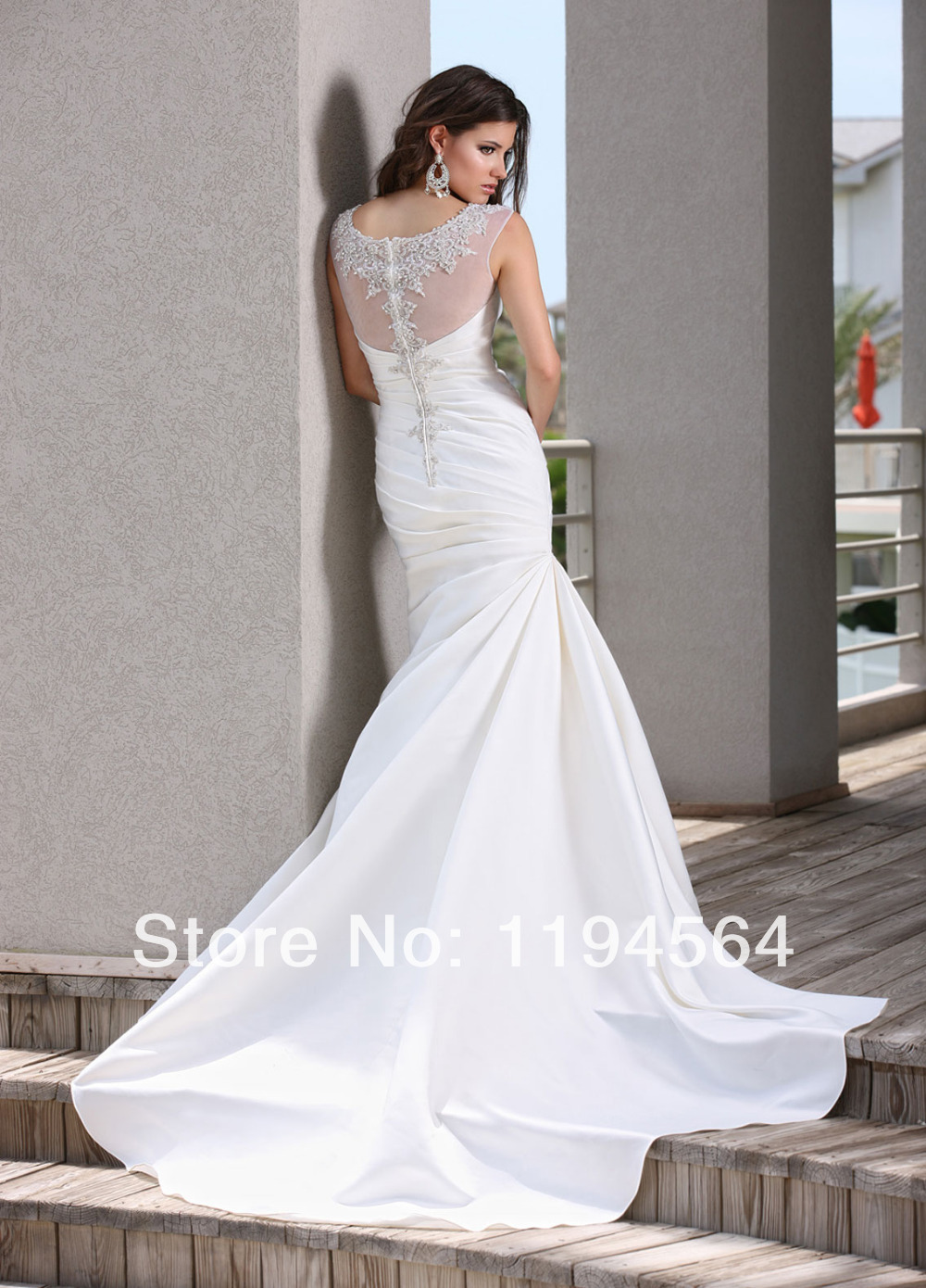 Appliques and Beaded See Through Wedding Reception Dress Fashion 2014 White  Mermaid Taffeta Bridal Gowns Free Shipping WH1298-in Wedding Dresses from  ... 1788e49a763f