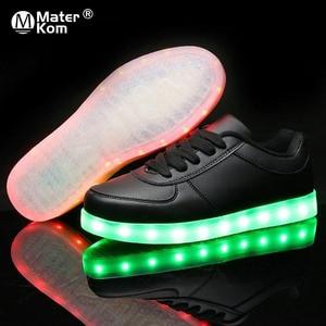 Image 1 - サイズ 35 44 USB 充電 LED ライトアップシューズ靴 LED スリッパメンズ & 女性の発光グローイング靴 krasovki とバックライト靴