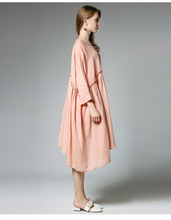 [EAM] 2018 spring Clothing New Pattern Loose Big Size Linen Cotton Wrist Sleeve O-neck Fold Solid Color Dress Woman Y975