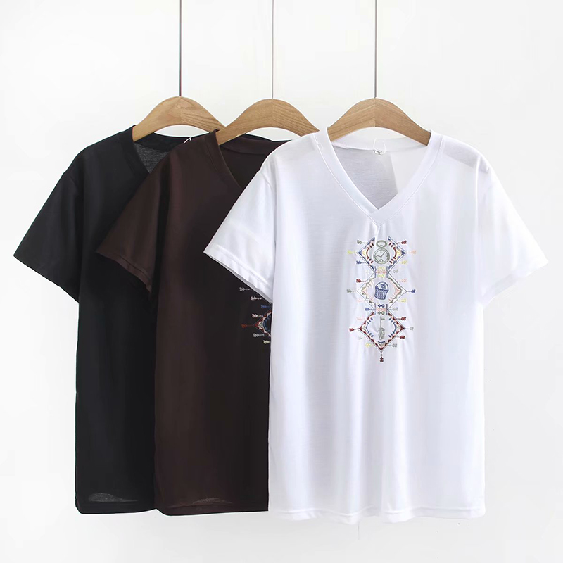 Plus Size Short Sleeve Embroidered Women Tshirts 2019 Summer Ladies V-Neck T Shirts Female Tops Black & White & Brown T-shirts