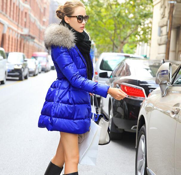 2018 Type de jupe col en fourrure doudoune femmes 90% blanc canard veste couleur unie avec ceinture Slim Parka hiver pardessus T506-in Doudounes longues from Mode Femme et Accessoires    2