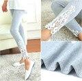 Mulheres leggings de Algodão Perna Do Lado Do Triângulo Rendas Esculpidas 3 Cores Escolha Sping e Outono