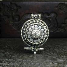 TGB086 тибетский серебряный солнце Бог Амулеты молитвенная коробка тибетская двухслойная шкатулка с амулетом Подвески Непальские антикварные ювелирные изделия ГАУ