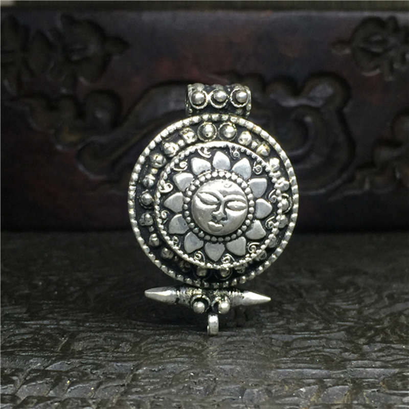 Tibetaanse Gebedsdoos Zonnegod Amuletten Tibet Dubbellaags Amulet Hangers GHAU Sieraden TGB086