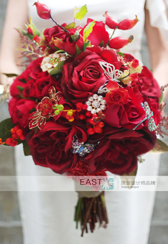 Red Roses Wedding Bouquets.Us 73 5 25 Off New Chinese Style Bridal Bouquet Red Roses Brooch Wedding Bouquet Berries Bride S Rural Butterfly Dragonfly Artificial Bouquet In