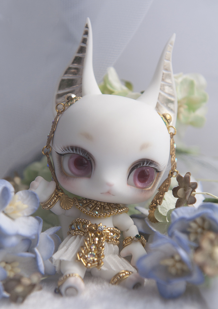 HeHeBJD 1/12 Anubis fantasy resin figures little bjd baby doll Palm dolls  toys gifts free shpping 1