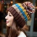 O ENVIO GRATUITO de Inverno Colorido Hairball Chapéu Mulheres Tampas de Moda Snapback Chapéus Chapéu Dos Ganhos de Proteção Da Orelha Quente Cap Beanie Skullies