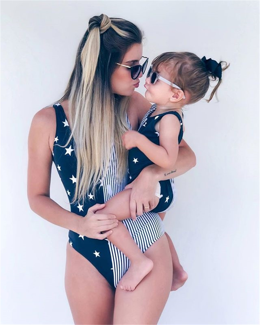 2018 Mother Mom and Child Kids Baby Girl Daughter Striped One Piece Bikini Swimsuit Swimwear Beachwear Bathing Suit