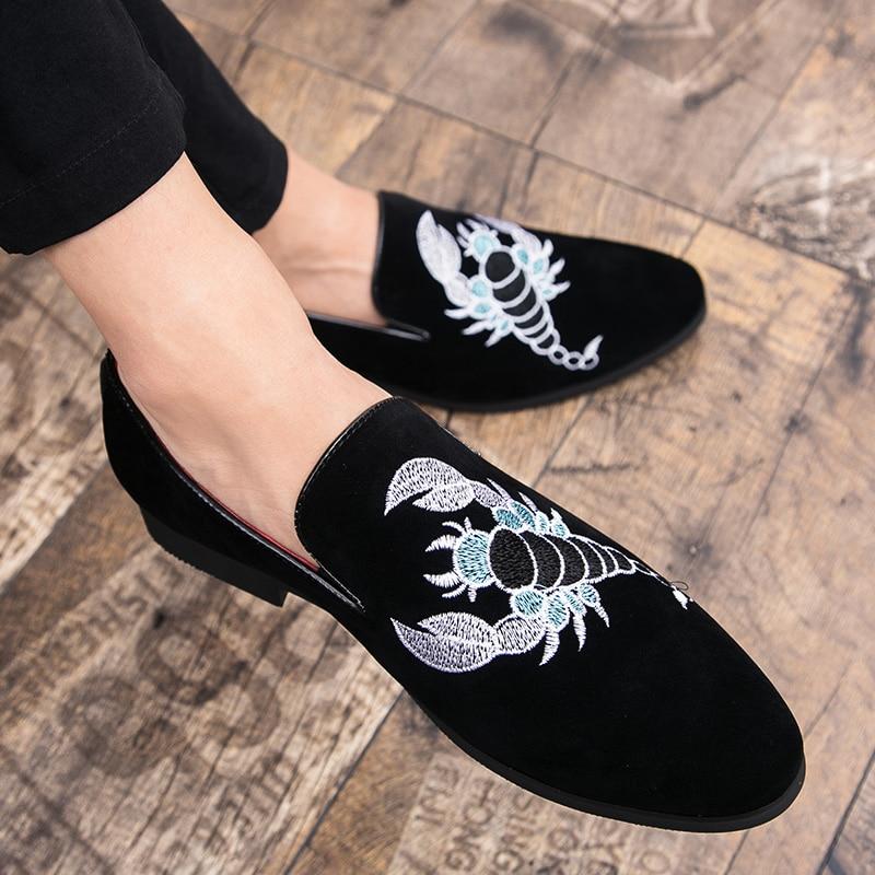 rouge Décontracté Pointues Brock Quatre D'affaires De Brodé Chaussures Nouvelle Hommes Dés Mode Saisons Populaire Jeunes Discothèque Chaussures Noir 7URxqT