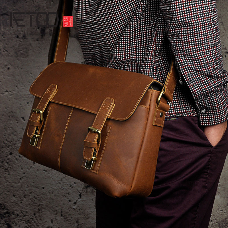 AETOO The first layer of mad horse leather leather Europe and the United States retro men 13 inch flat shoulder diagonal package aetoo europe and the united states fashion new men s leather briefcase casual business mad horse leather handbags shoulder