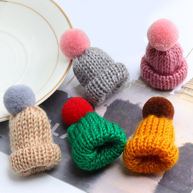 19 Color Cute Mini Knitted Hairball Hat Brooch Sweater Pins Badge