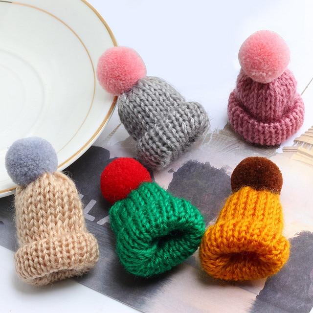 19 cor Bonito Mini Malha Hairball Chapéu Broche Camisola Colarinho Roupas Acessórios Criativos Chapéus Pin Broches Mulheres Pinos Crachá