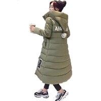 חדש 2017 אישה החורף ומעילים Slim בינוני ארוך מעיילי שרוול ארוך עבה סלעית בתוספת גודל מרופד שחור Casaco מעיל