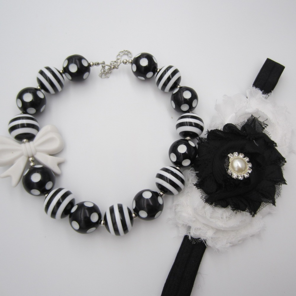 New Girls Bowknot Bubblegum Necklace 20mm Acrylic Black white Striated Football Beads Necklace Headband font b