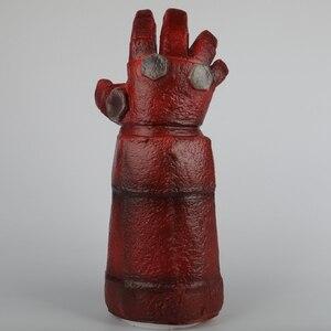 Image 4 - Película Hellboy: Rise of the Blood máscara de Reina Ox máscara con cuerno mano derecha guantes para juegos de disfraces armadura guante de mano de látex guantelete fiesta Halloween