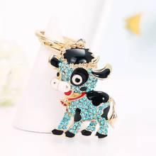 Nova moda criativa popular liga de cristal pequena vaca chaveiro carro chaveiros casal presente charme jóias chaveiro