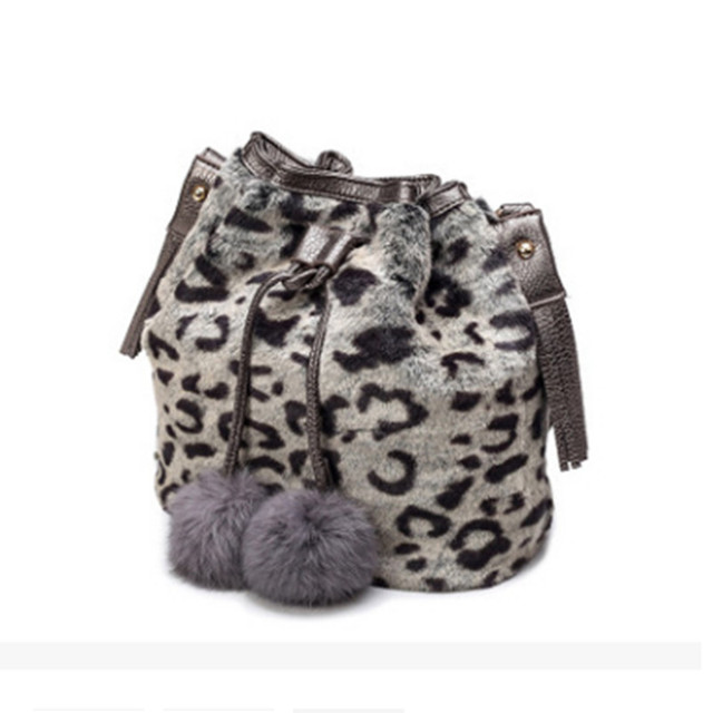 Fashion Design Faux Fur Bucket Drawstring Bag LeisureHandbag Women Leopard  Fluff Crossbody Tassel Hairball Decoration Bags
