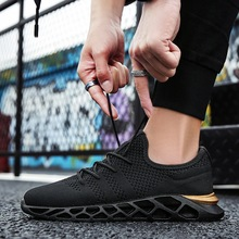 2019 spring and summer new casual breathable sports tide shoes fly woven mesh mens running
