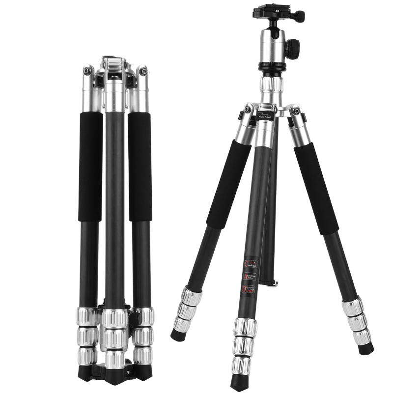 все цены на QZSD Q558C new professional tripod stand carbon fiber video Camera Tripod Q588C 4 section sliver tripod kit OEM welcome онлайн