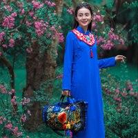 Asiatica Tradizionale tendenza Pop femminile 2018 di autunno del collare del basamento tasti del piatto nube spalla Cina Vietnam ricamo Blu Abito Robe