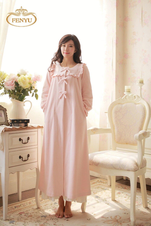 Original- Vereinigte Staaten verschiedene Arten von US $56.67 14% OFF|Freies Verschiffen 100% Fleece Prinzessin Nachthemd  frauen Winter Lange Robe Rosa und Lila pyjamas-in Nachthemden aus  Unterwäsche ...
