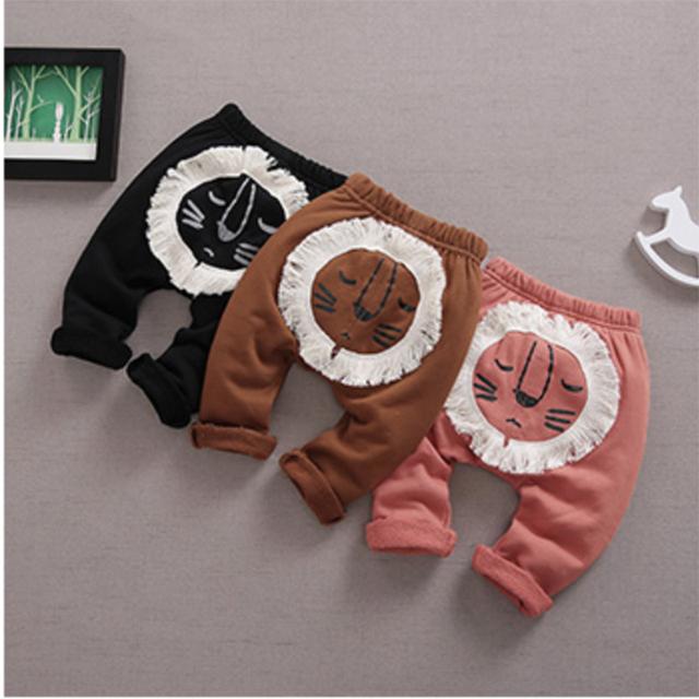 2017 nueva primavera muchachas de los bebés pantalones de algodón con el diseño del tigre ropa infantil niños grandes PP pantalones de dibujos animados niño